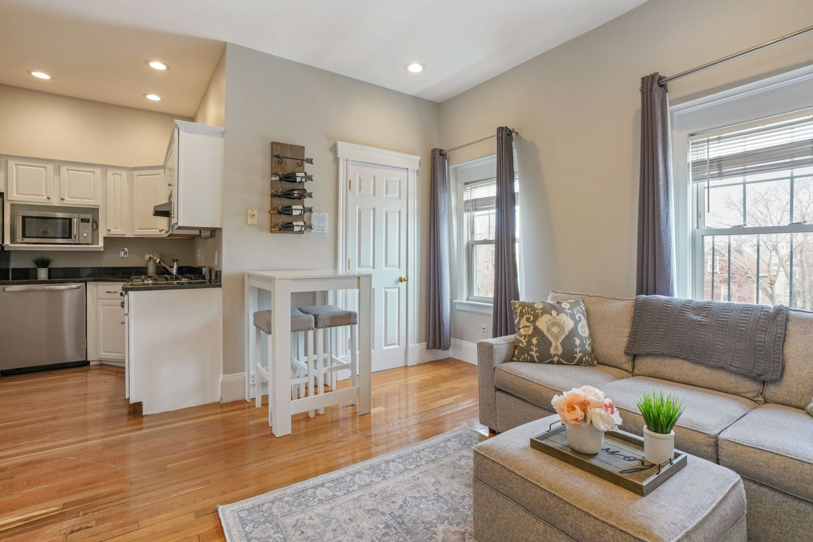 [Just Listed] Beautiful, Top Floor, South Boston One Bedroom with Roof Deck